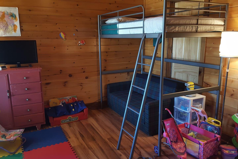 Chambre enfant 6 ans+, salle de jeux, lit simple, 1er étage