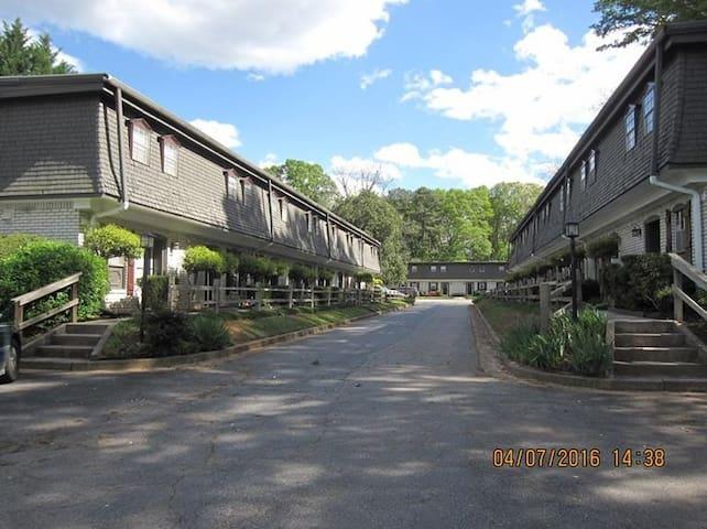 Quiet & calm, Stone Mountain Park - Stone Mountain - Apartment