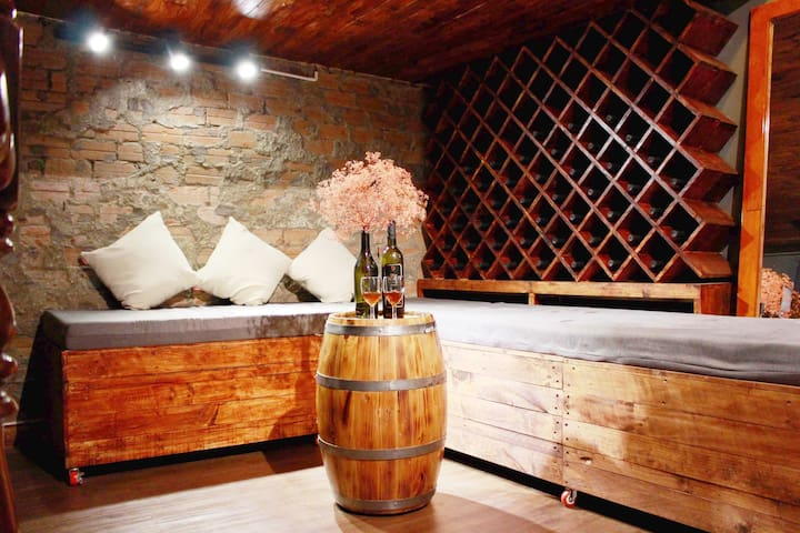 [SALE OFF 50%]⭐⭐⭐⭐⭐ Vino Cellar in Heart 3BED