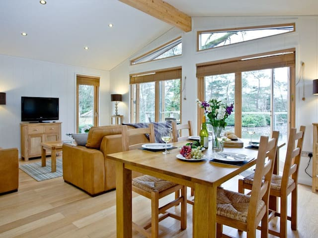 Lakeview - 7 Indio Lake, Bovey Tracey (BCINDL07B)