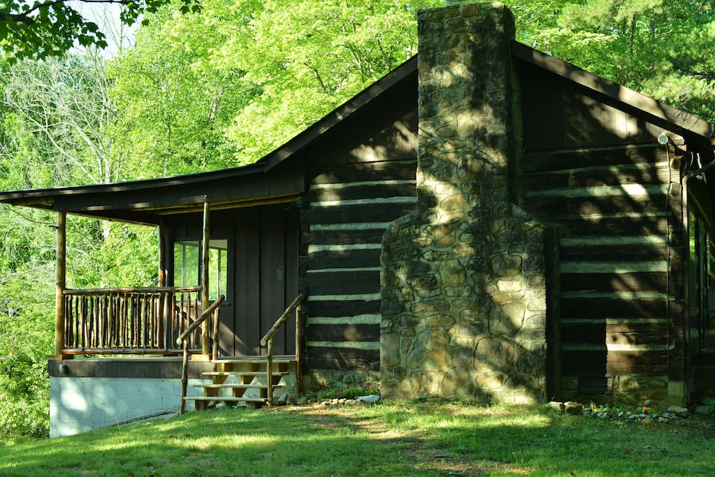 Rustic cabin in private nature reserve cabins for rent for Private secluded cabins in pigeon forge
