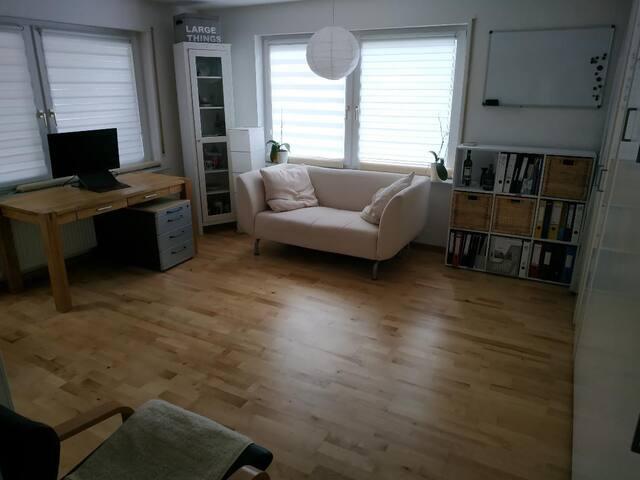 Modern möblierte  1,5 Zimmer Wohnung - Filderstadt
