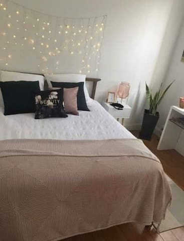 Lovely bedroom in Manly centre