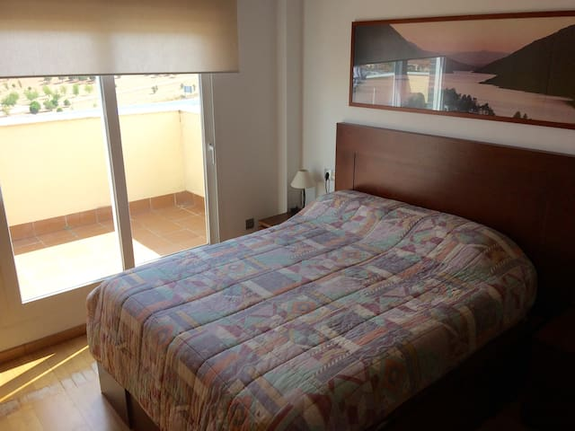Double room with private bathroom and terrace.