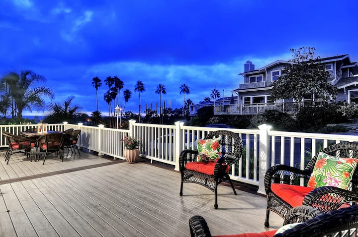Charming home with views of the Ocean!