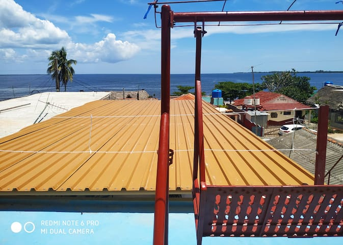 3 rooms for 7 people just seconds from the beach!