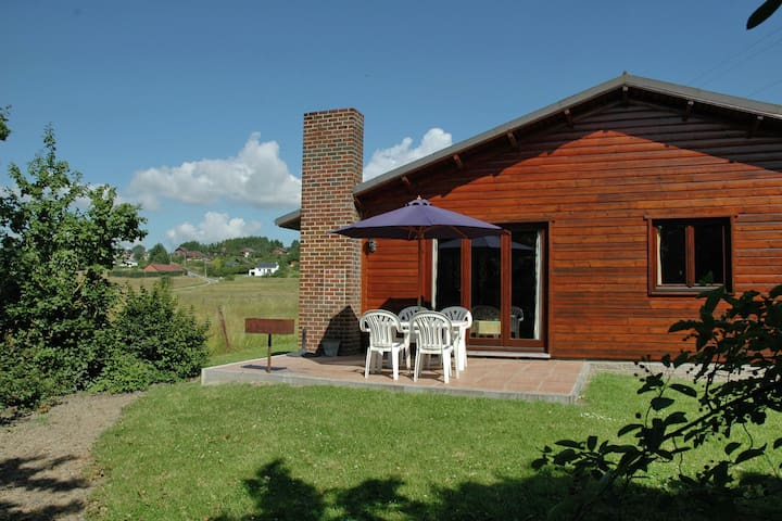 Cozy Holiday Home in Somme-Leuze with Private Garden