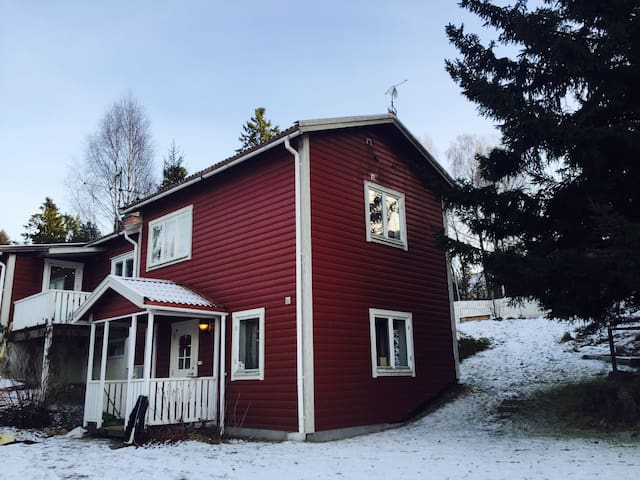 Charming house with porch - Huddinge - House