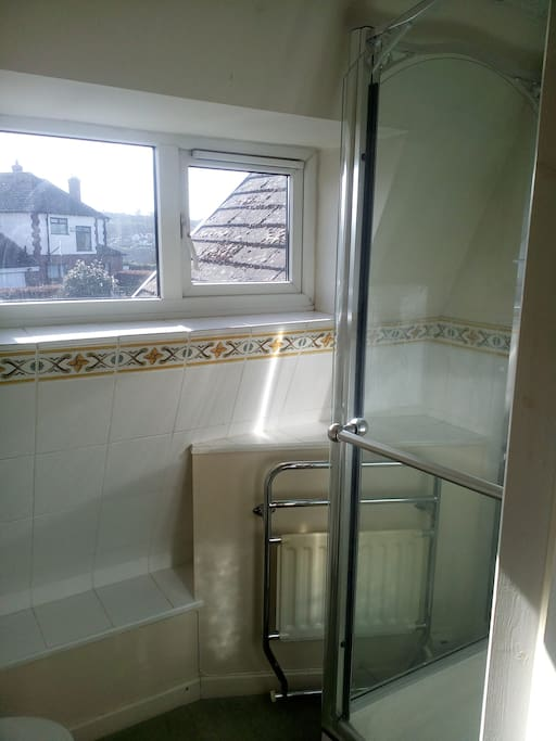 Compact WC and Shower Unit...
