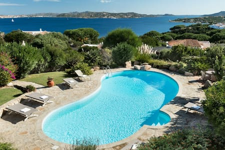 Luxury Villa with breathtaking view - Punta Sardegna - House