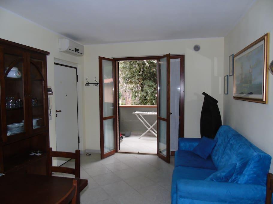 soggiorno e accesso alla terrazza