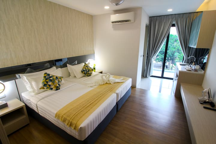 Tropical Villa Luxury Service Suites - Studio Room