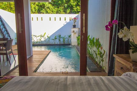 Private & Luxury Villa in Bali - North Kuta - Casa de camp