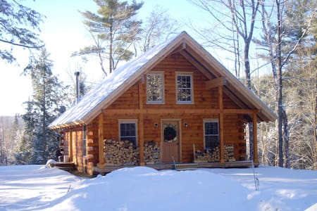 Peaceful Log Cabin in the Woods - Groton - Rumah