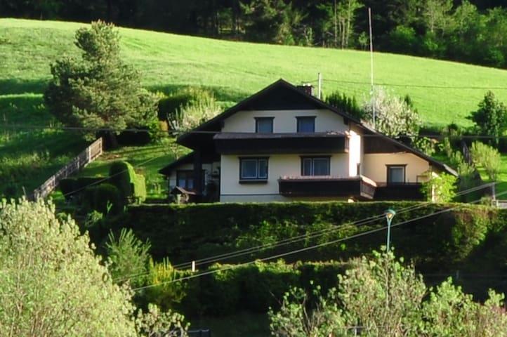 Urlaub im Haus in den Bergen - Liezen - Casa