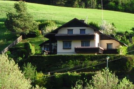 Urlaub im Haus in den Bergen - Liezen