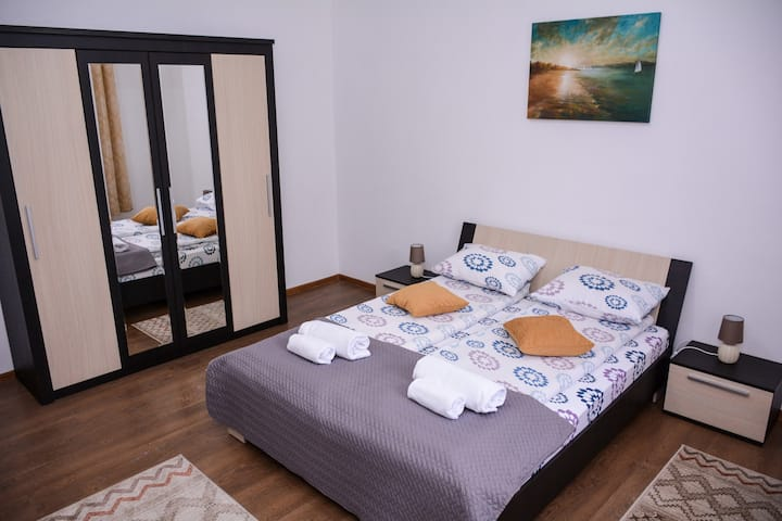 Vig Apartments Timisoara - Yellow Apartment