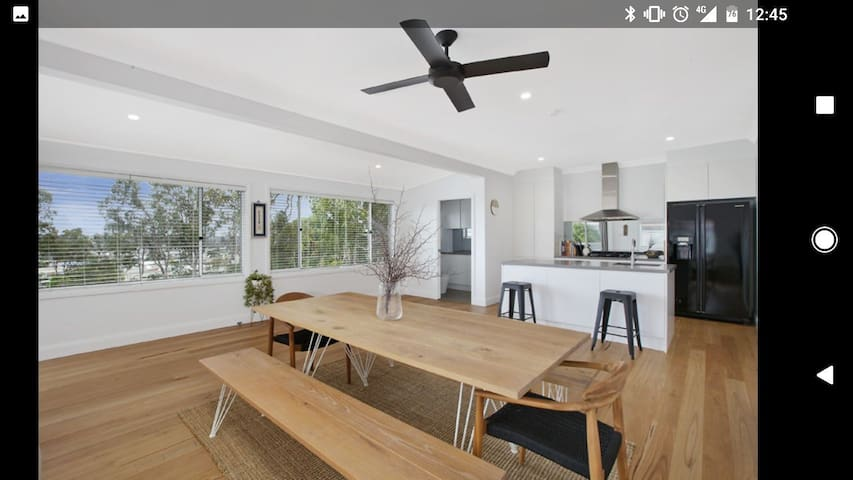Large 3 Bed Renovated House 20mins from Beach - Dee Why - Casa