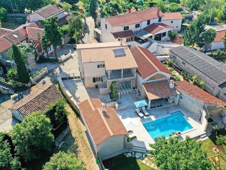 Casa Nuoneti - Holiday Home with Pool