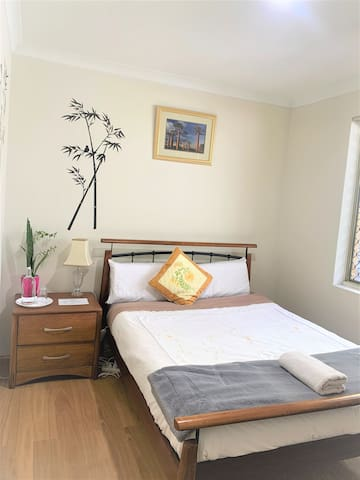 Ascot Convenience Room, Quiet, Near Perth Airport