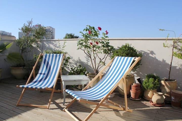Roof Top Heaven - 1bdm+Terrace Garden - SIRKIN