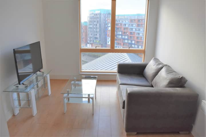 Toothbrush Apartments 1 Bed, Waterfront Views, Parking (7th Flr)