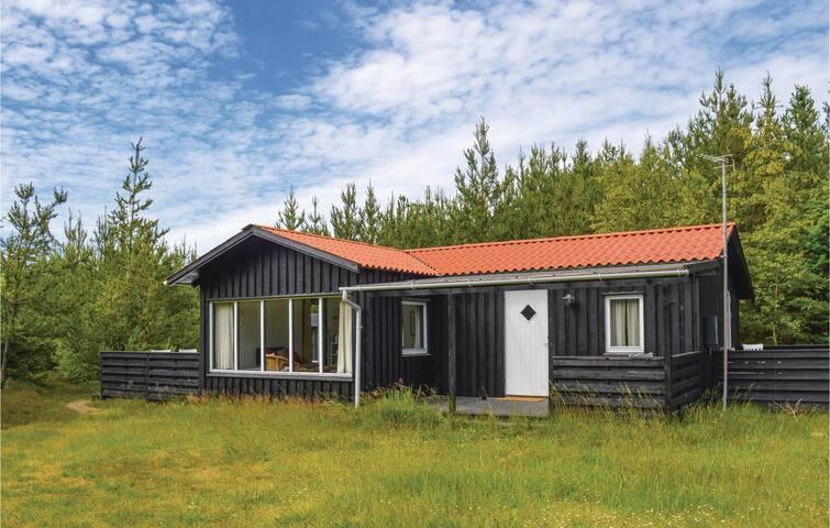 Holiday cottage with 3 bedrooms on 48m² in Ålbæk