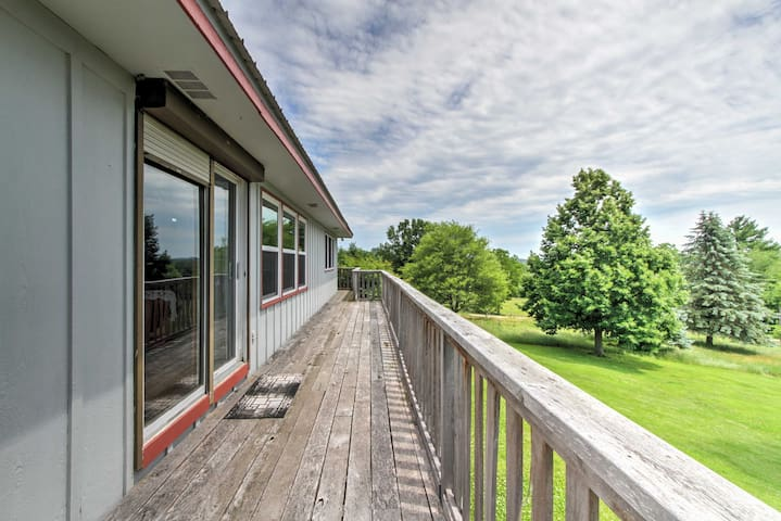 'Boulder Gate Farm' House 30 Mins from the Dells!