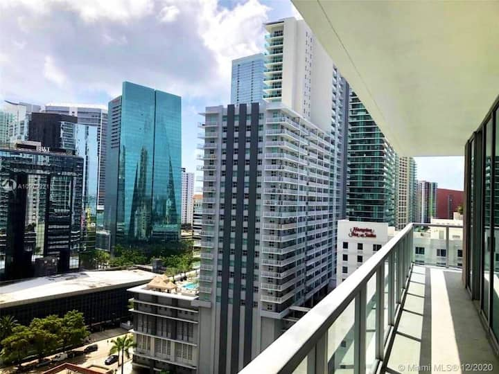 DOWNTOWN MIAMI BED & BREAKFAST 5-STAR MODERN