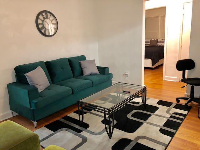 2BR Greenleaf Apartment Near Downtown Norfolk