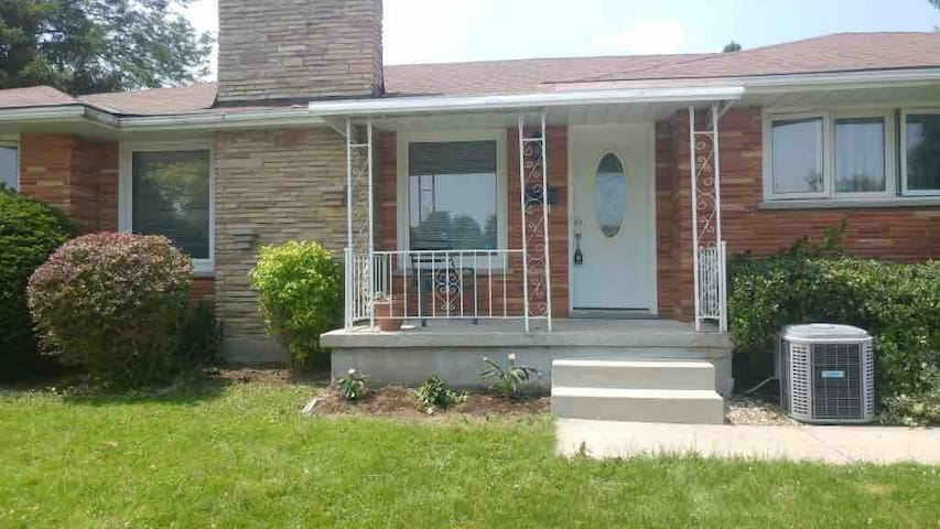Newly Renovated 2 Bedroom in Shared 3 Bedroom Apt