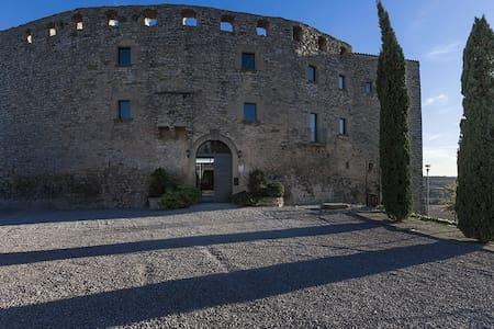 Castillo ideal para Turismo y Relax - Fonolleres - Slot