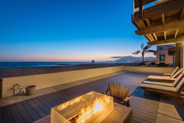 Luxury Modern Designer Beach House on the Sand
