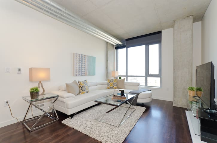 Downtown Seattle Stylish 2 Bedroom Apartment