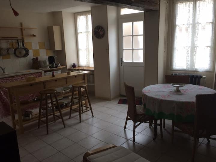 Maison ancienne bourguignonne