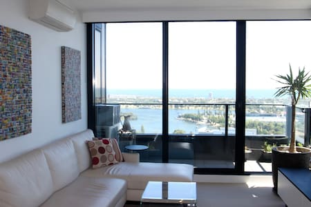 SpectacularOceanView 7minCBD Top Floor Parking - South Melbourne