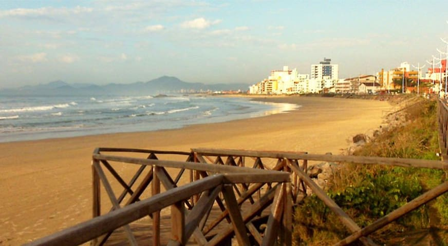 Apto/kitnet próx. à praia e o Beto Carrero