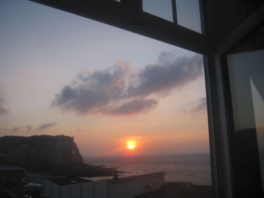 Le soleil couchant depuis l'appartement.