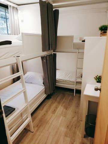 White House Hostel 2 Bunk Beds Shared Bathroom