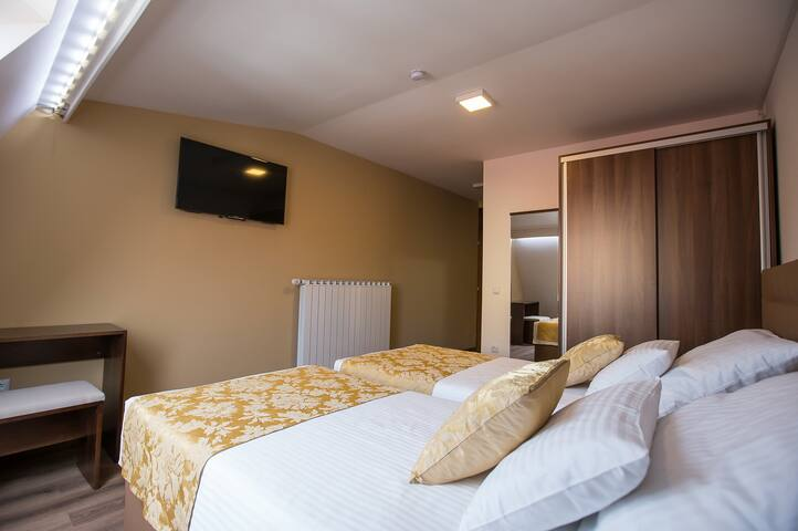 Heartland City Hotel - Tuzla - Bed & Breakfast