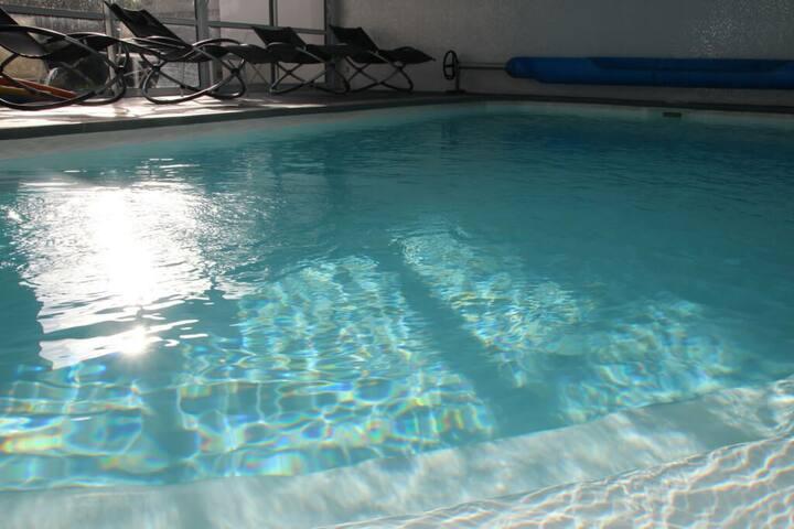 Chambre d'hôtes piscine intérieure chauffée à 30°