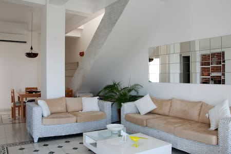 Luxury 2 Bedroom In Old City with pool/roof deck - Cartagena