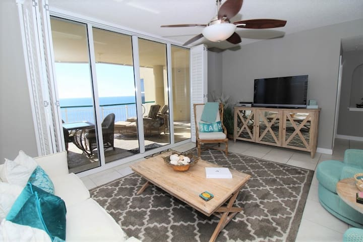 Beach Colony East Penthouse 15B-Beach Front unit with amazing views!