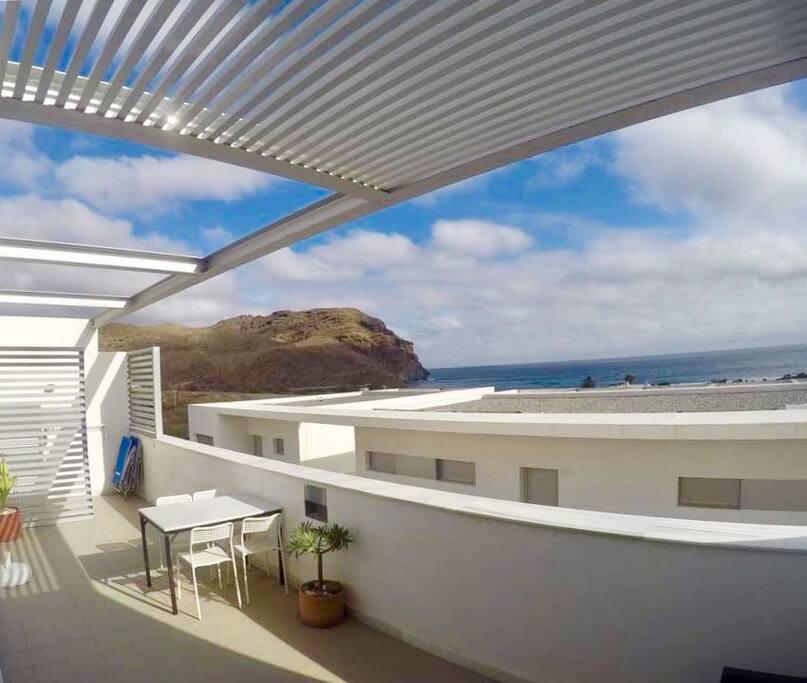 Amplia terraza con vistas a Cerro Negro
