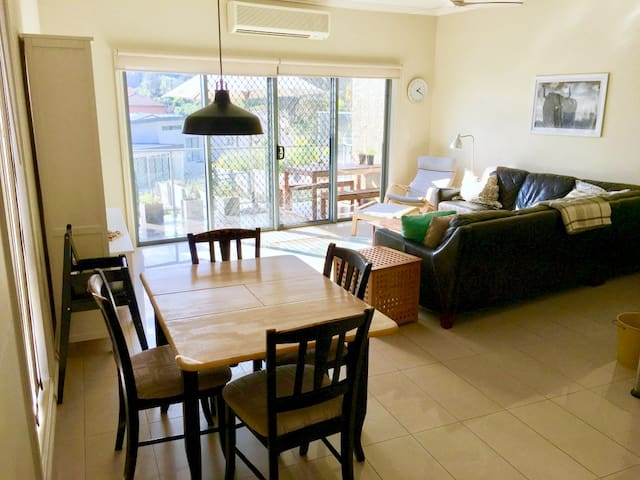 Townhouse in walking distance to Terrigal Beach