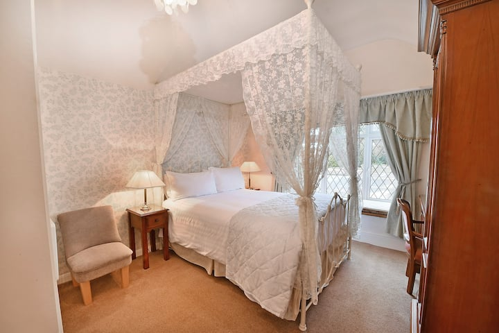 Virginia Lodge Double En-suite (4)