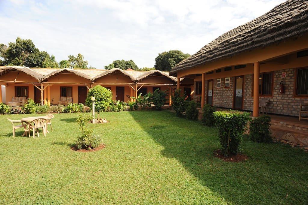 Gorilla african guest house in entebbe guesthouses for for Guest house harbiye