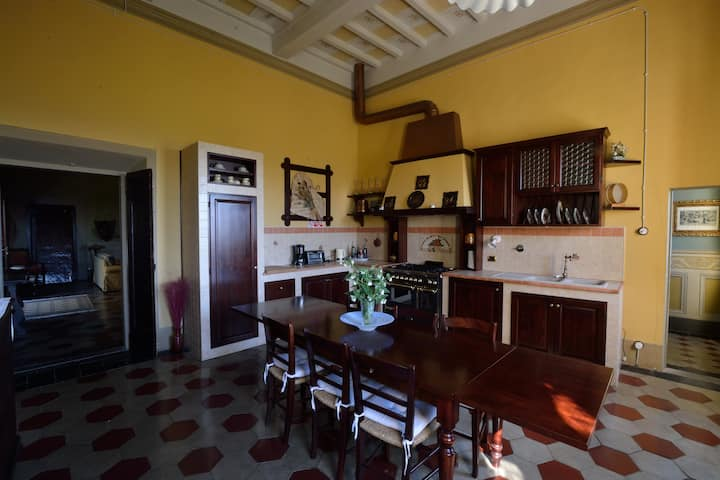 Villa Enrico Fermi premio Nobel della Fisica