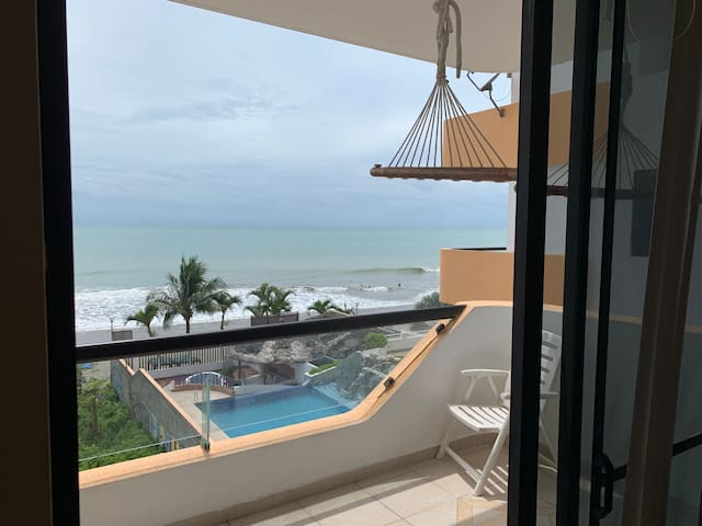 Lindo departamento frente a la playa WiFi/Netflix