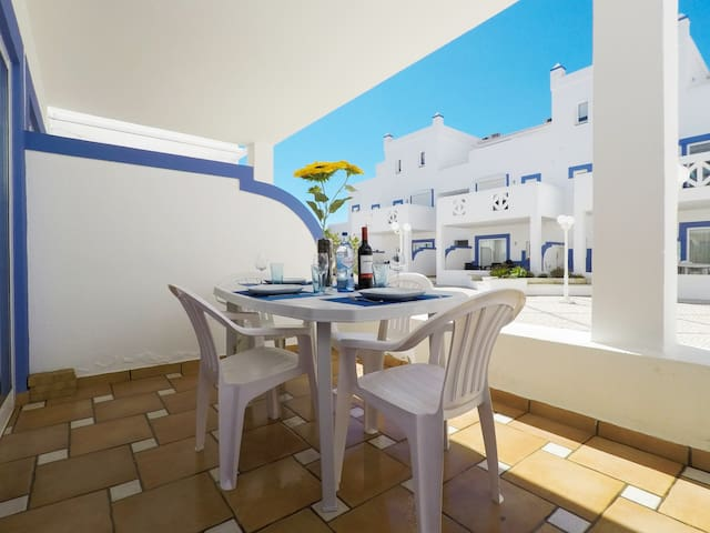Cozy studio Sunflower Apartment -Cabanas de Tavira